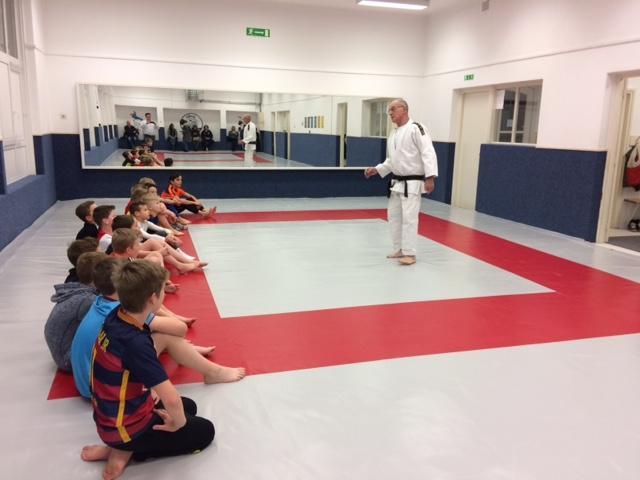 Wij zijn de sponsor van de judotrainingen voor de jeugd van DCS